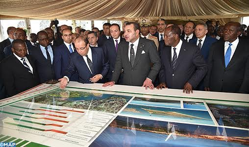 King Mohammed VI and Ivorian president Alassane Ouattara in Abidjan presenting the Cocody Bay development and preservation project. Photo: MAP